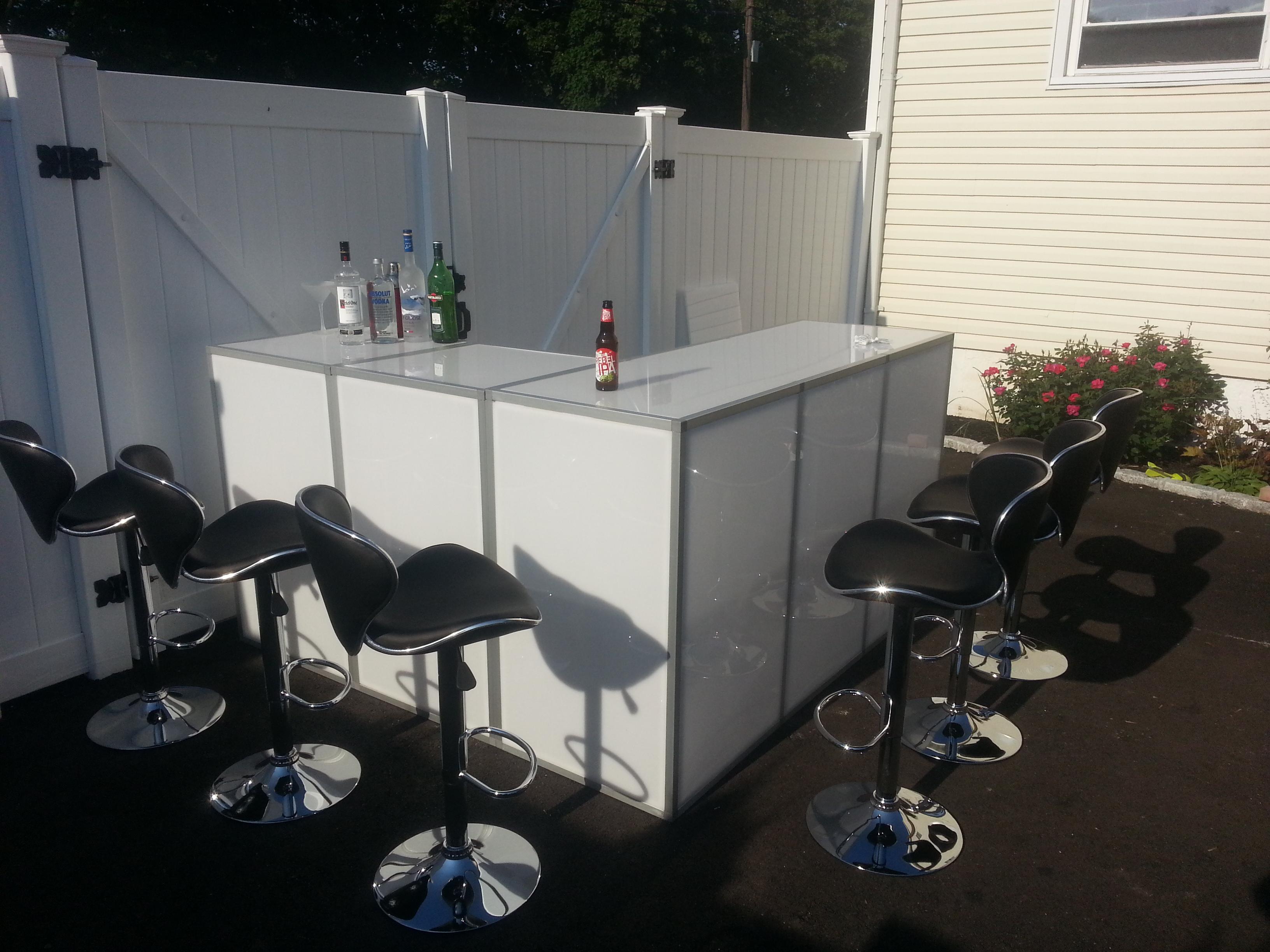 Seldon Long Island Acrylic Portable Bar Rental